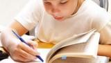 Dječak koji čita