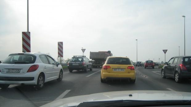 auti u prometu 001