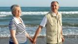 Djwd i baka šetaju po plaži