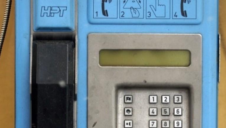 izgorjela-telefonska-govornica-dva-renaulta-4-steta-10-000-kuna-slika-142238