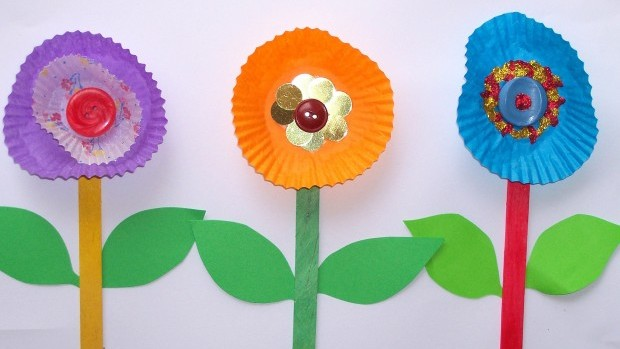 flower-craft-free-kids-pop-sticks-easy-patty-pans12