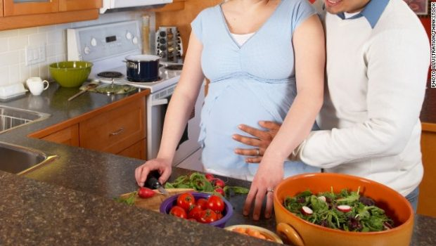 120411043308-cohabitating-couple-kitchen-pregnant-story-top