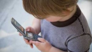 mobile_phones_and_kids414x270