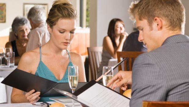 19apr_eating-restaurant-diet