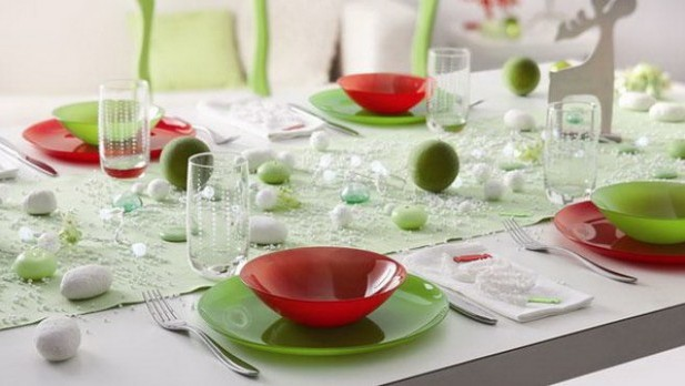 Contemporary-Christmas-Table-Decoration_01