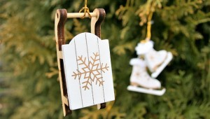 christmas-tree-decoration-3035336_640