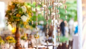 diy-wine-cork-chandelier-simply-chic-events1-550x366