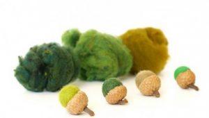 Autimn-Fall-Felted-Acorn-Kit-wool-felt