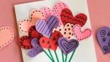1510954504-heart-bouquet-ribbon-600x777