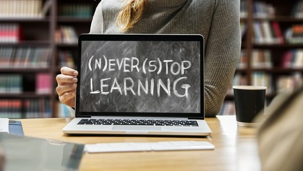 learn-3653430_640